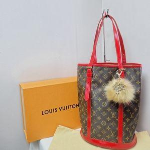 100% Authentic Louis Vuitton GM bucket bag FL1908